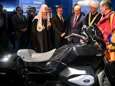 Мотоцикл президентского «Кортежа»: секреты пластикового концепта